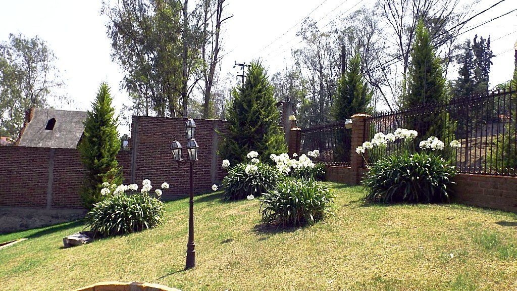 2 de 20: JardínFrontal