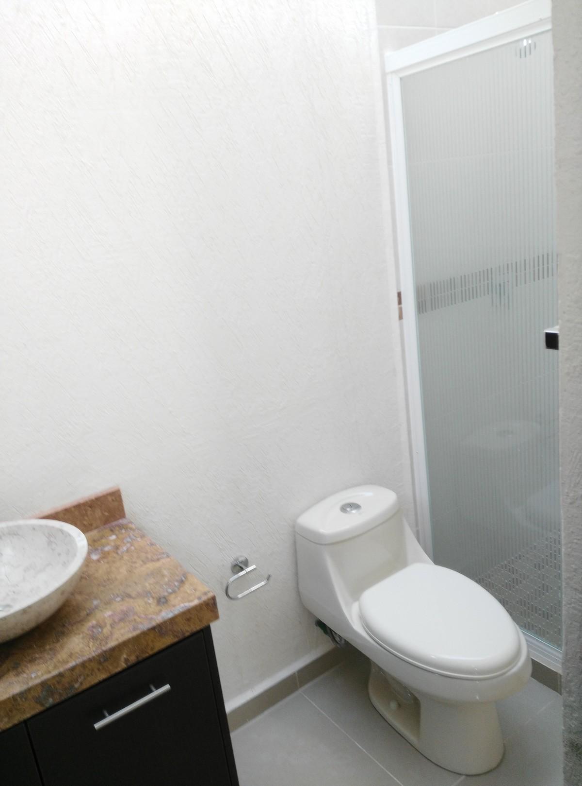 3 de 14: Materiales de lujo en muebles de baño