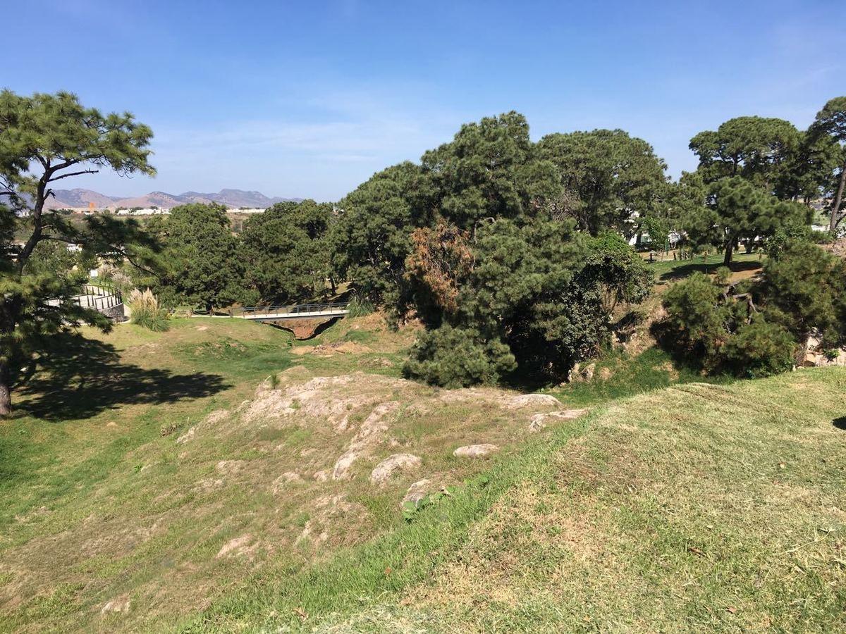 16 de 17: Mas de 30,000 m2 de áreas verde