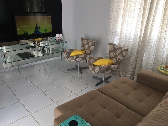 5 de 20: Sala ampla arejada e com otimo aproveitamento de luz natural