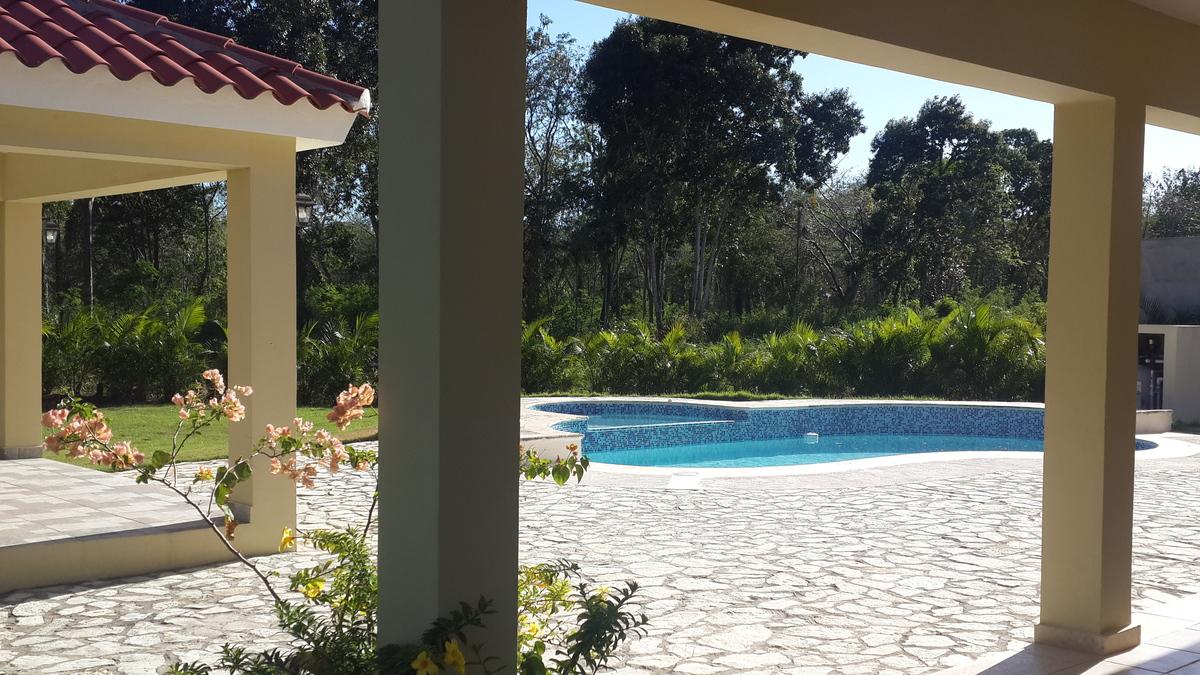 11 de 11: Vista gazebo y piscina