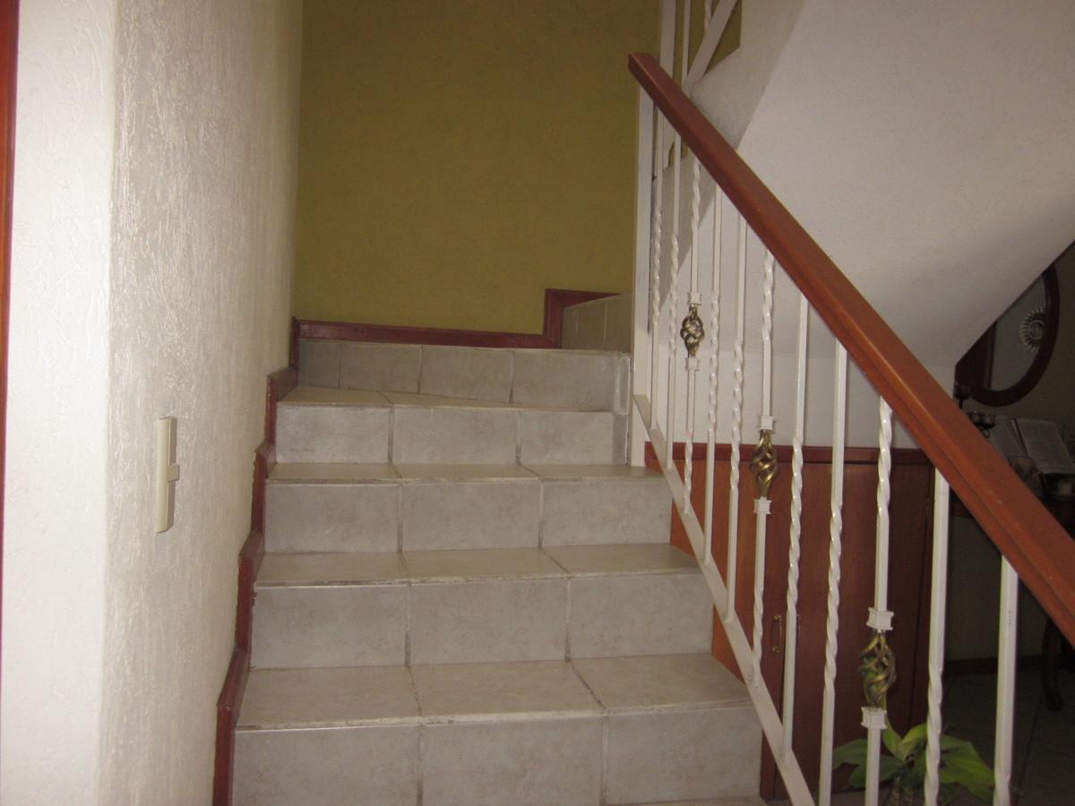 6 de 24: Escalera
