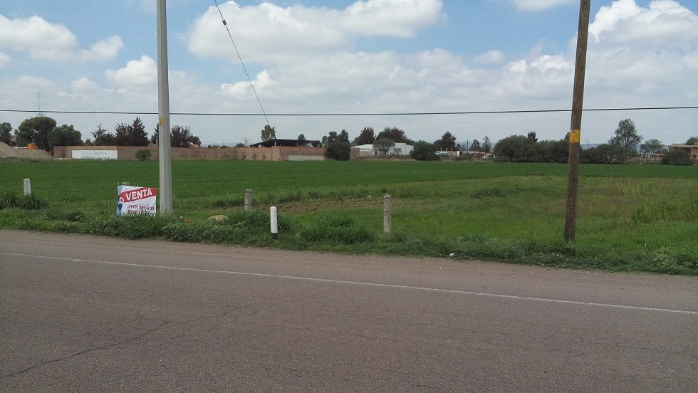 3 de 11: Promocional lateral carretera Zacatecas-Aguascalientes