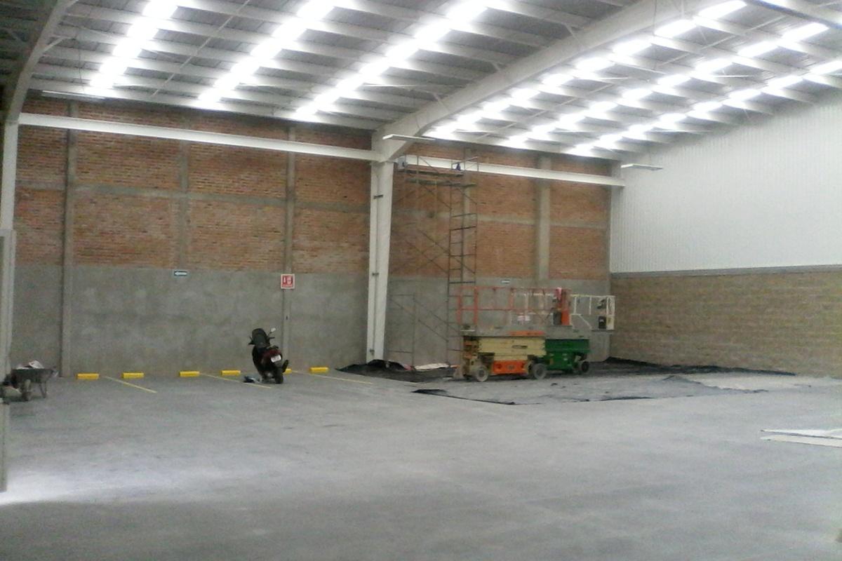 6 de 15: Interior lado Poniente