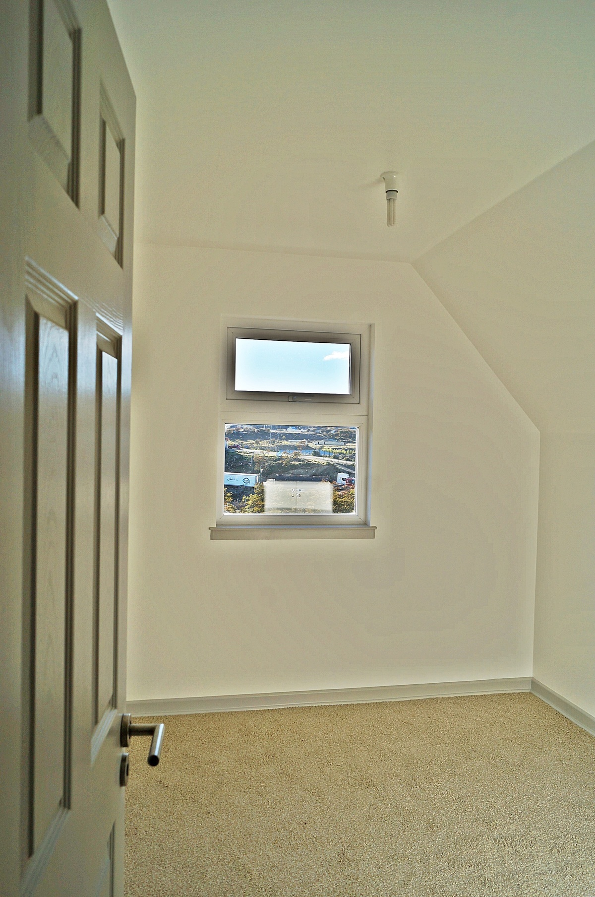 27 de 47: Vista del Primer Dormitorio del Segundo Piso