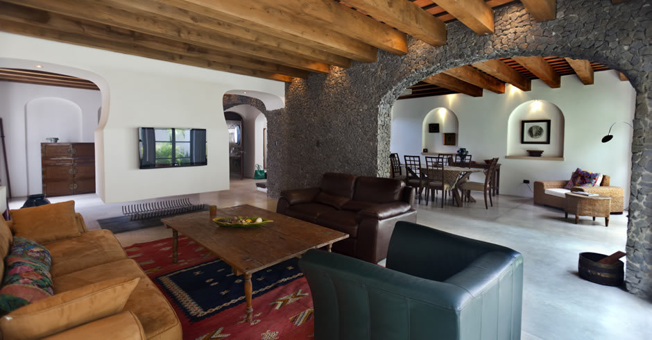 Casa en venta renta en antigua guatemala for Casas modernas guatemala