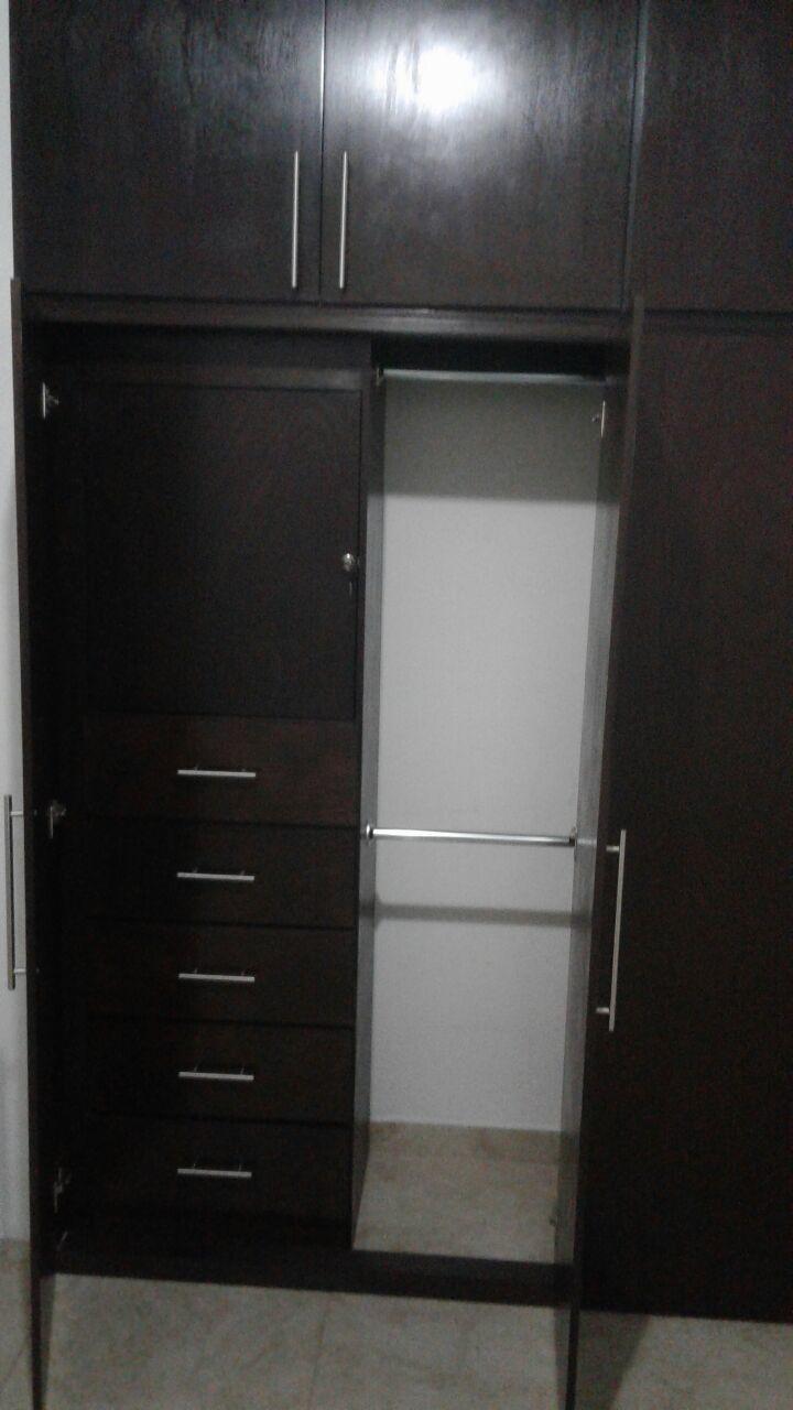 7 de 18: closet