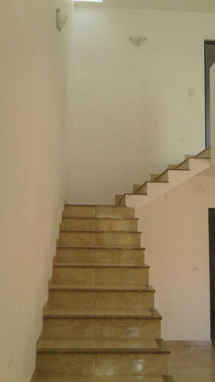 8 de 18: Escalera