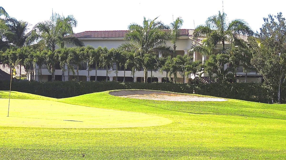 16 de 17: Vista al campo de golf