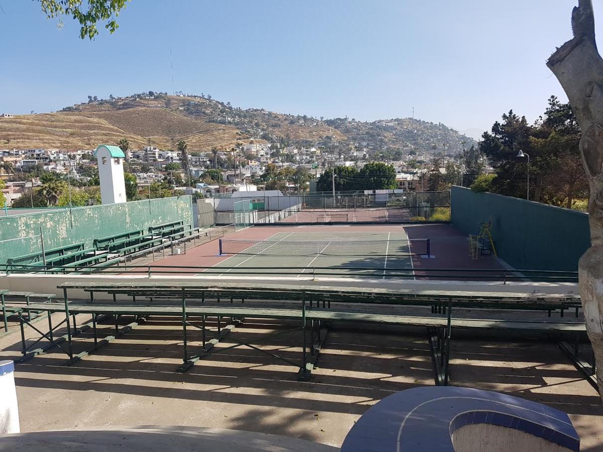 12 de 43: vista a cancha de tenis