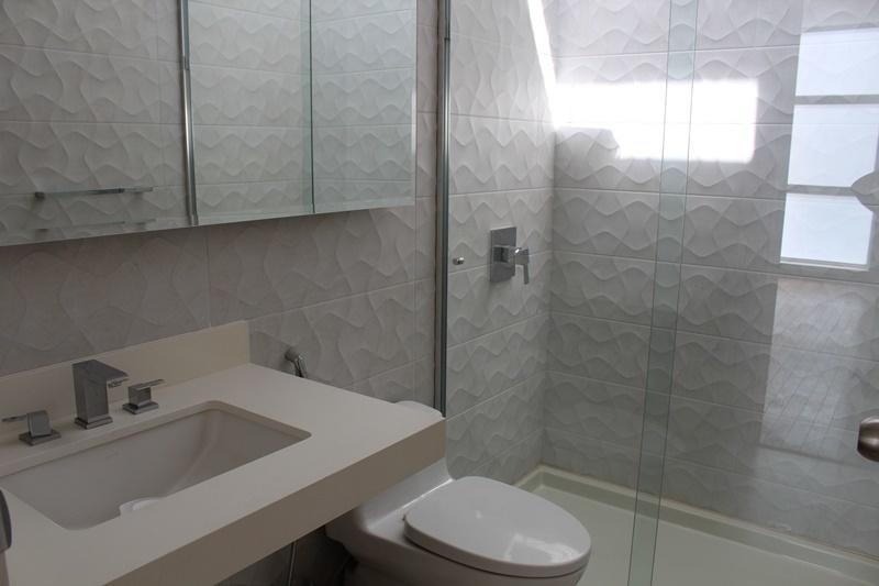 12 de 16: Baño Secundario