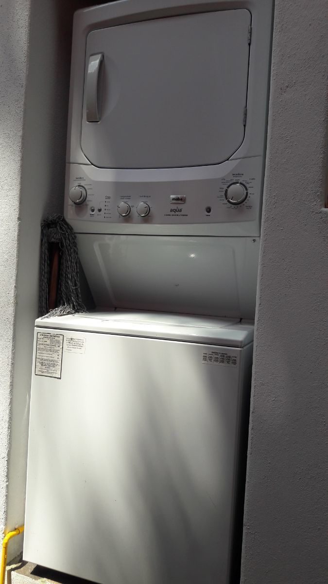 24 de 28: Espacio para centro de lavado en el patio de servicio