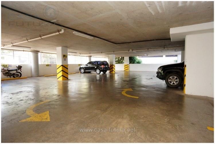 6 de 29: Estacionamiento