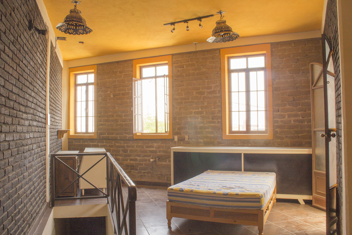 11 of 12: Habitación con balcón