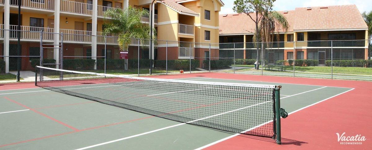 14 de 16: Cancha de Tenis
