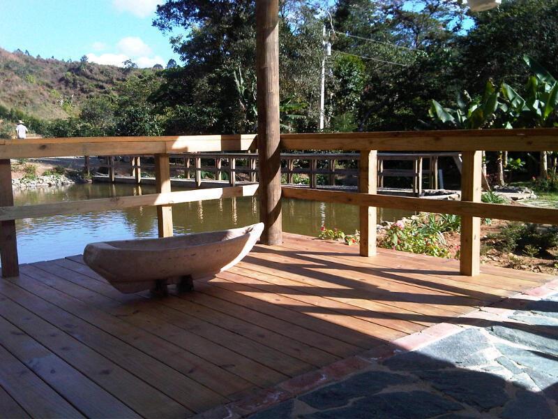 Proyecto para peque as villas de monta a en constanza for Villas pequenas