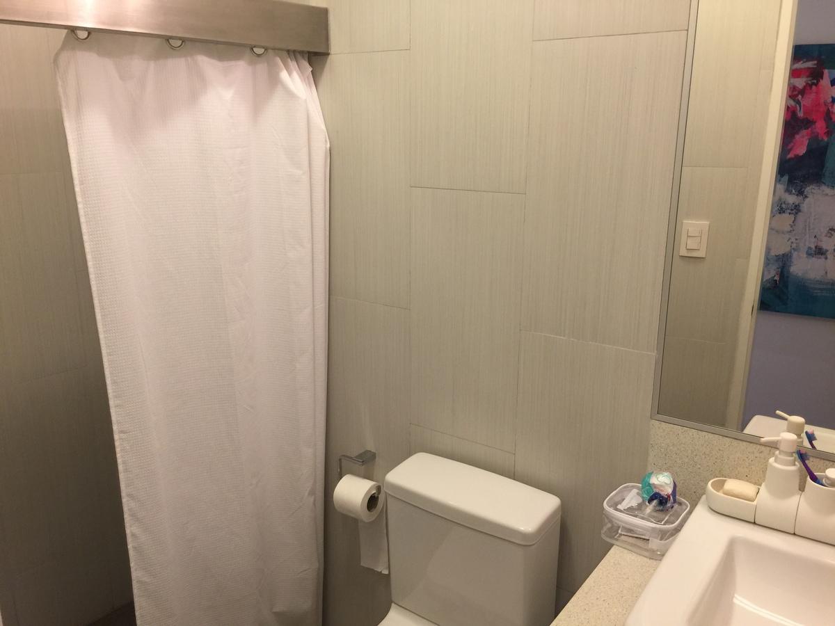 17 de 22: Baño secundario