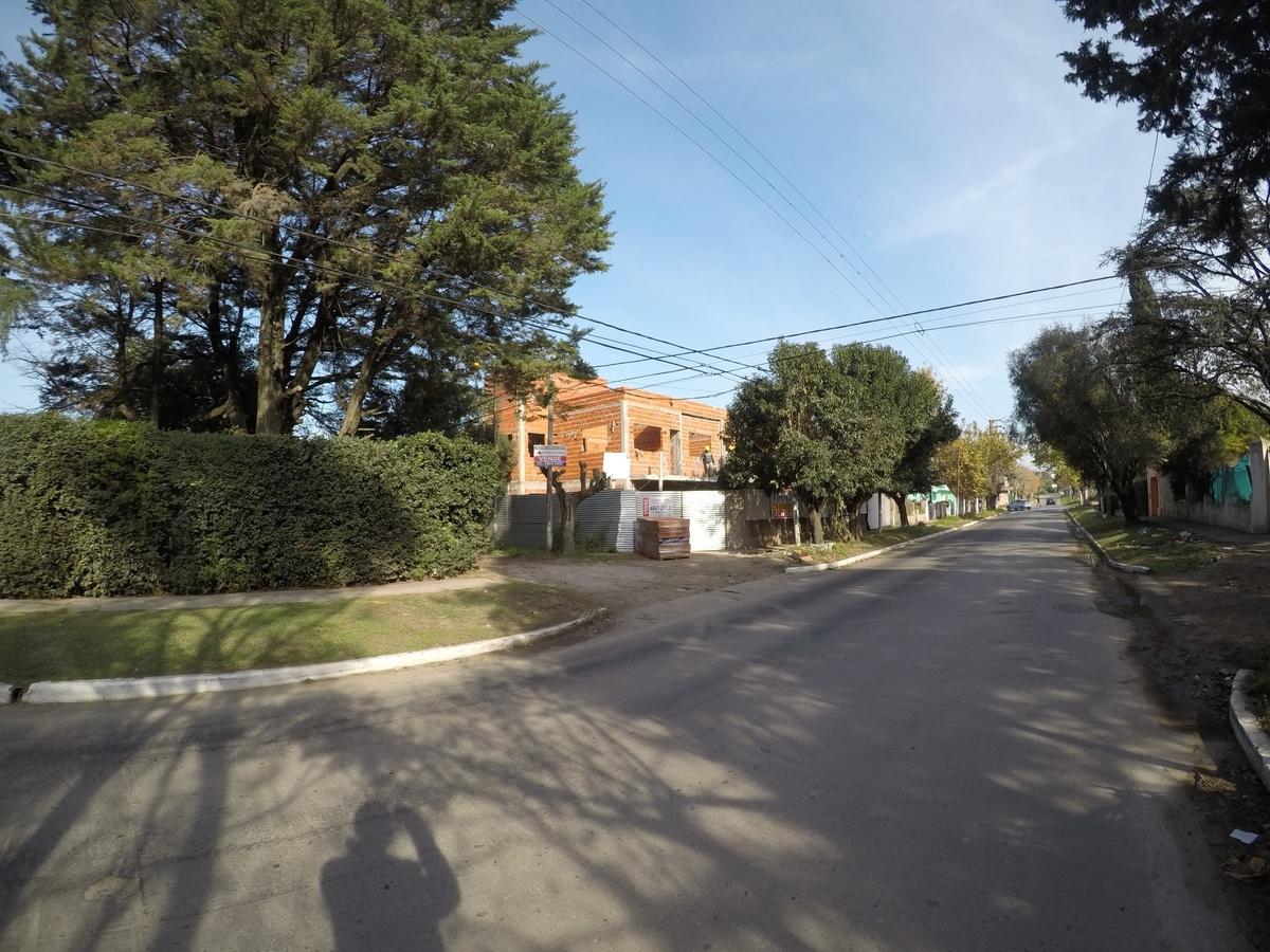 1 de 8: Vista desde la calle