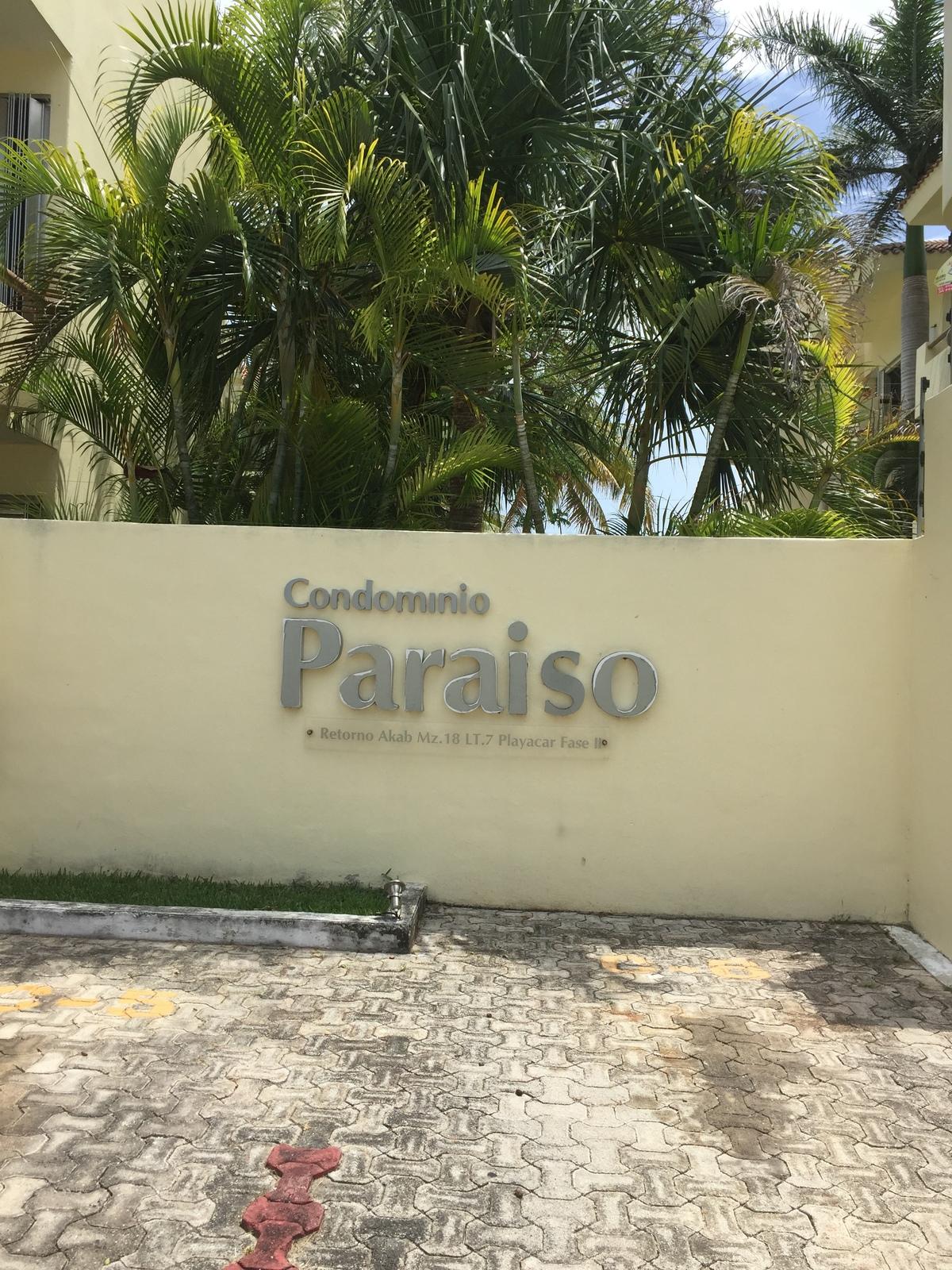 2 of 13: Fachada Principal Condominio