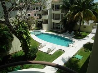 7 of 13: Alberca Condominio Paraiso