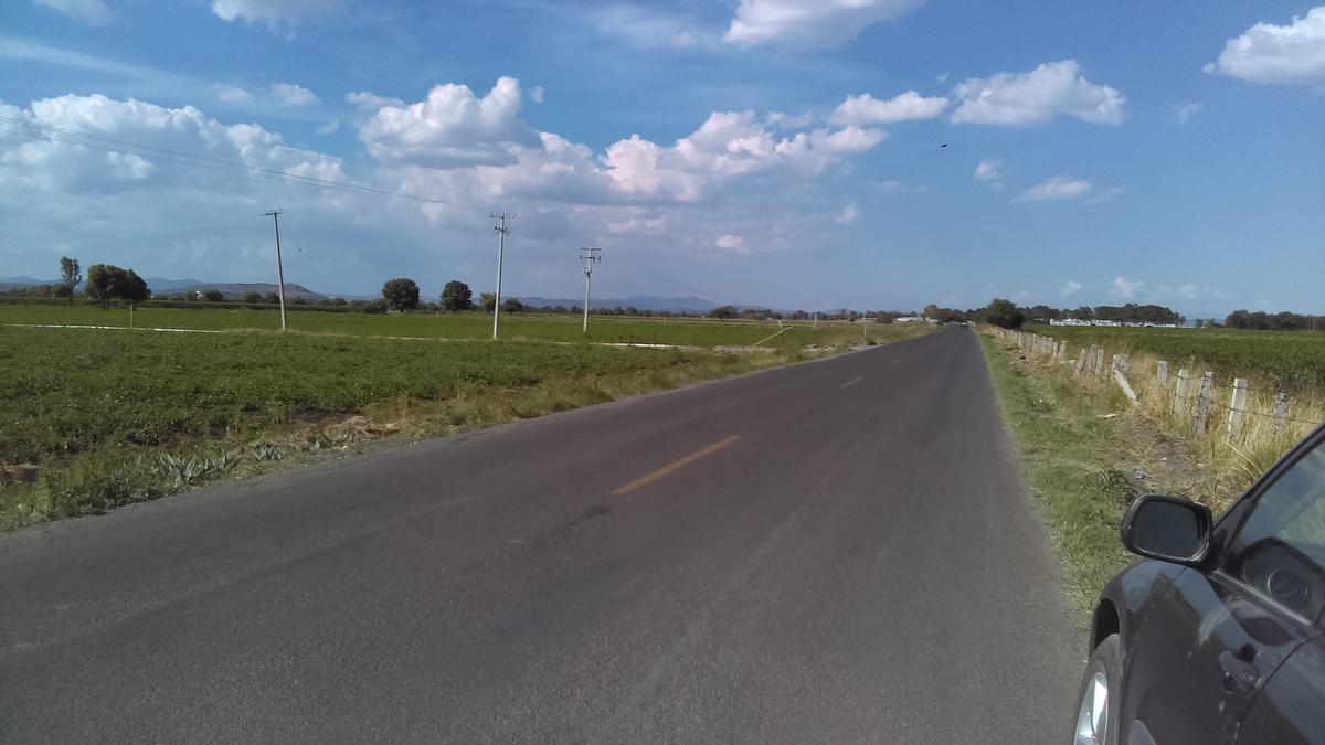 1 de 7: 1100 mts frente a carretera pavimentada.