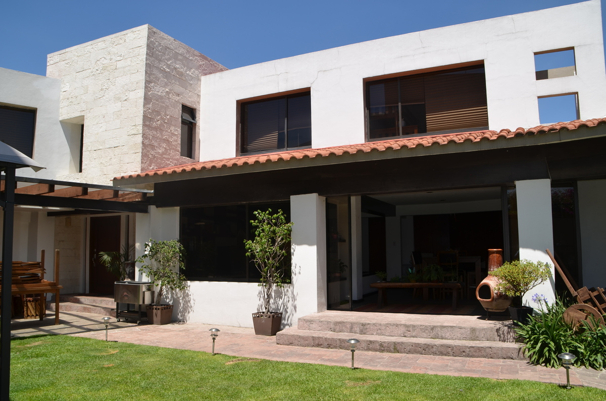 Hermosa casa estilo mexicano moderno for Cocinas estilo mexicano