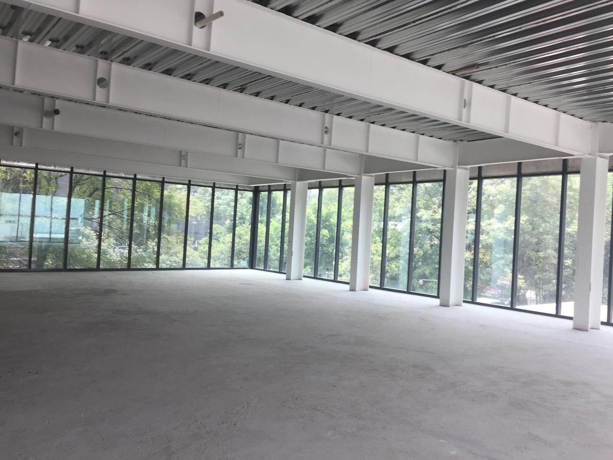 1 de 3: Edificio nuevo