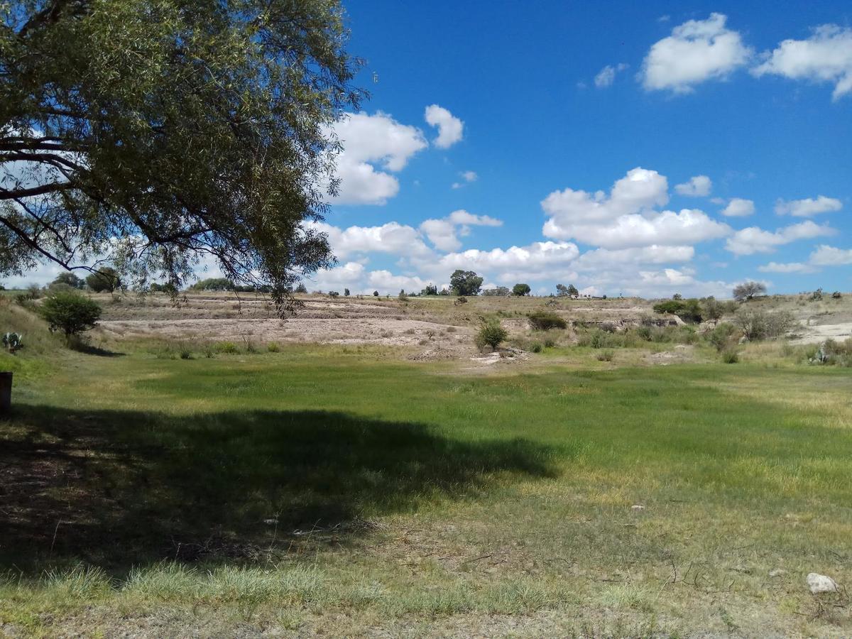 10 de 12: Abrevadero en punta extrema Rancho