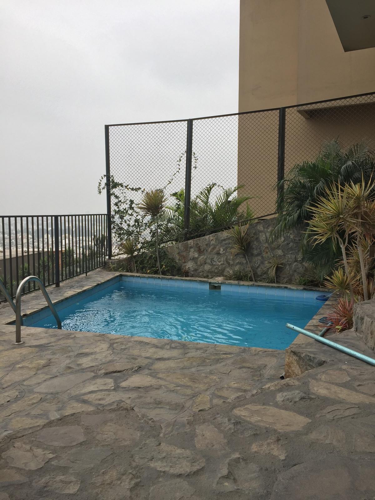 19 de 21: Area de piscina