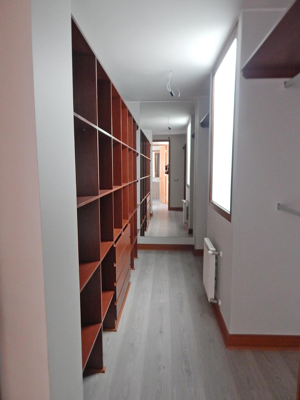 12 de 36: Walking Closet Dormitorio Principal