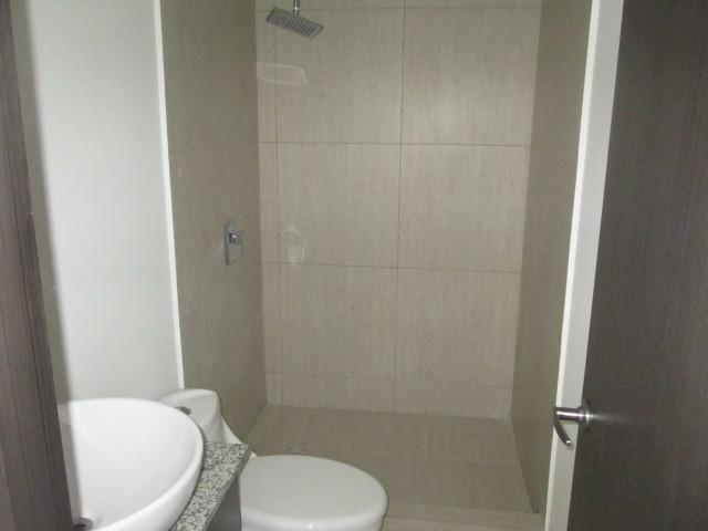 10 de 30: Baño Habitacion Principal
