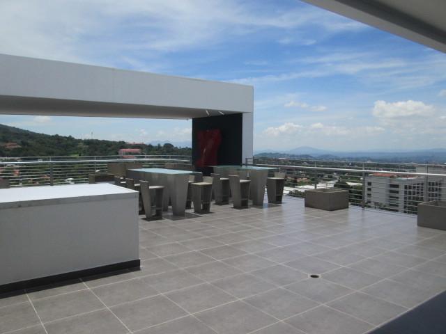 18 de 30: Area Comun - Terraza con Bar y Vista