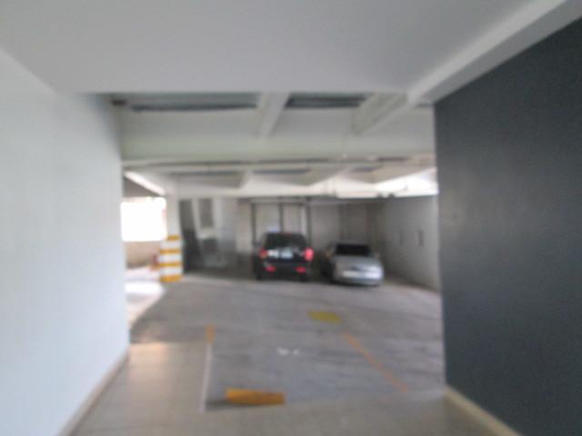 28 de 30: Estacionamiento 2 Vehiculos
