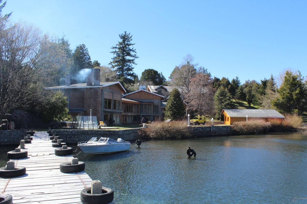 1 de 17: Muelle y vista desde la casa