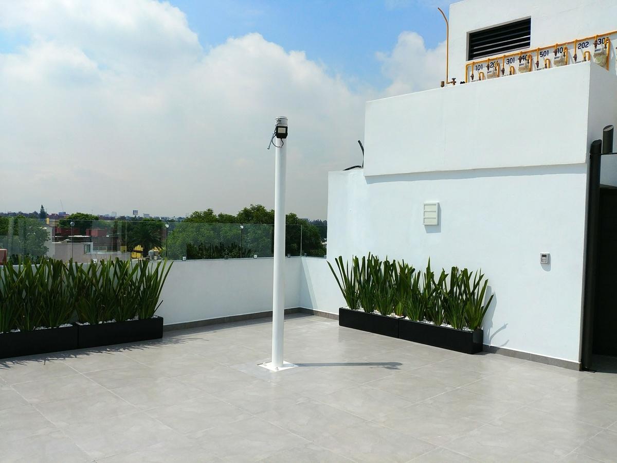 21 de 29: Roof garden privado, con asador, velaría, ½ baño, tarja
