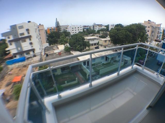 8 de 14: Balcón en el 1er. nivel
