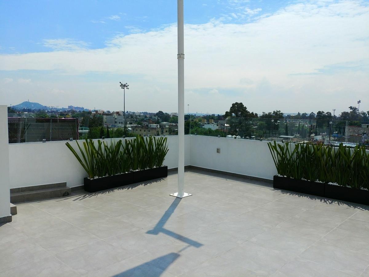 22 de 29: Roof garden privado, con asador, velaría, ½ baño, tarja