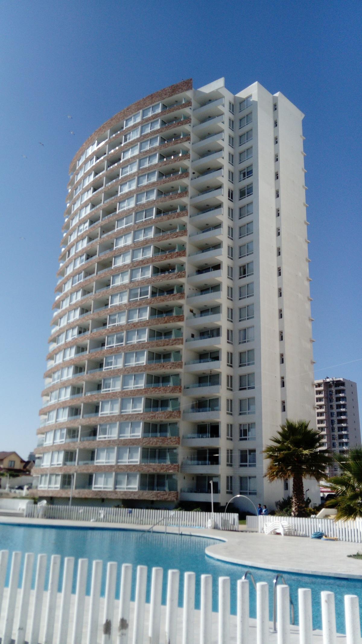 2 de 12: Vista total del Edificio
