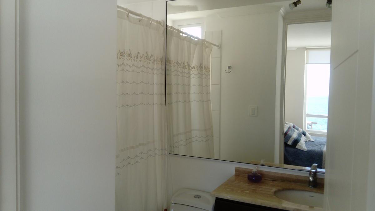9 de 12: Baño en suite
