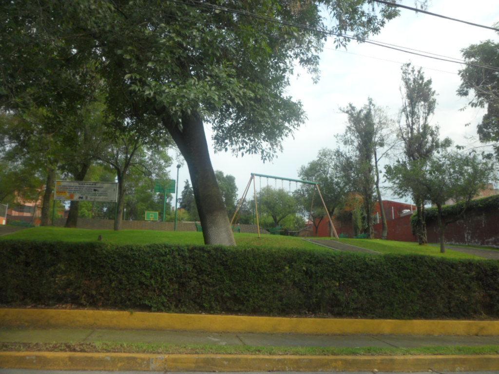 33 de 33: Parque Principal juegos infantiles