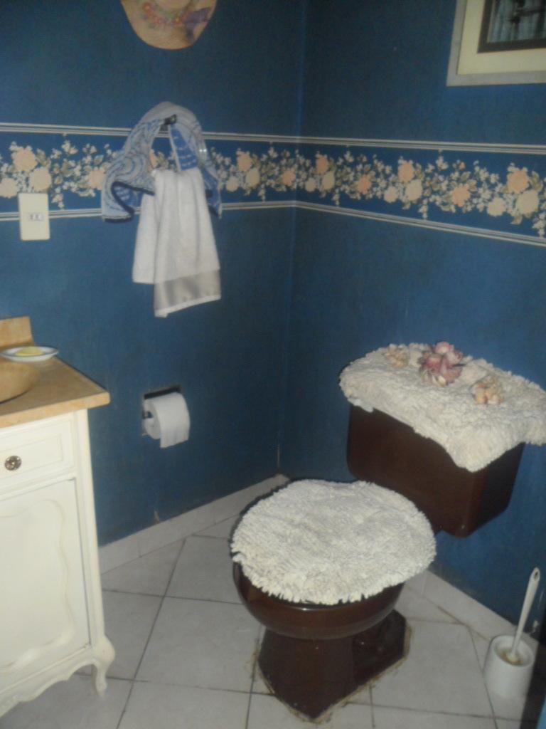 10 de 33: Medio baño para visitas