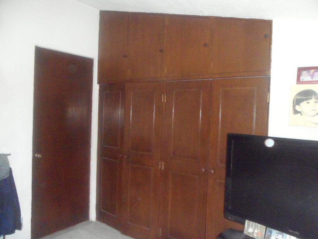 24 de 33: Amplios closets en recamara principal