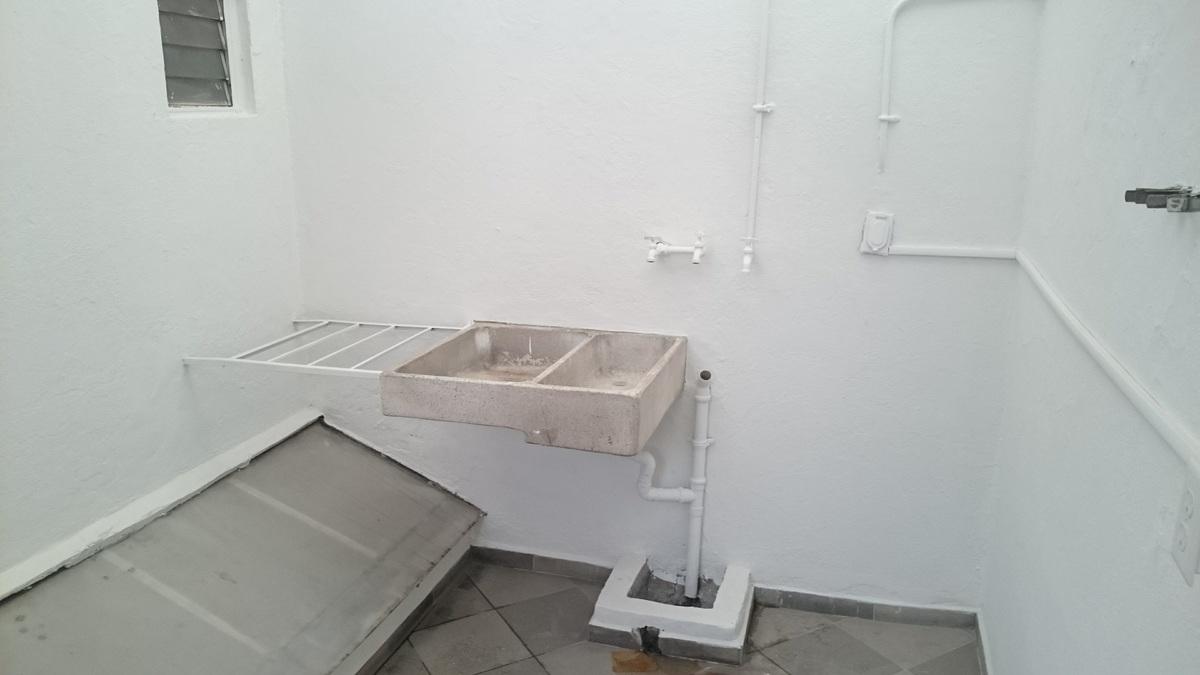 20 de 20: Area de lavandería