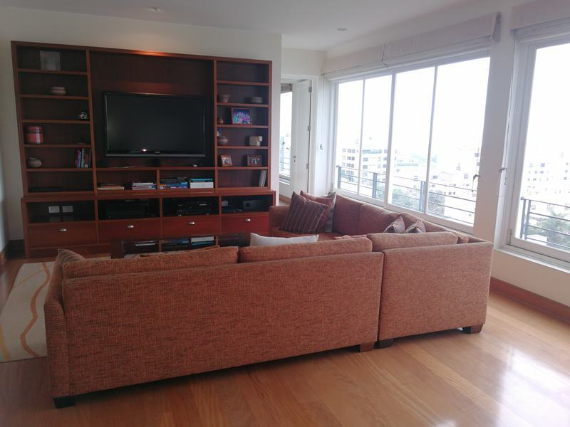 33 de 49: Sala de estar amplia en zona dormitorios secundarios