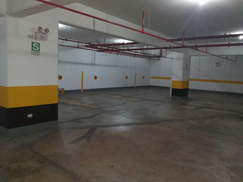 49 de 49: 5 estacionamientos continuos, en paralelo