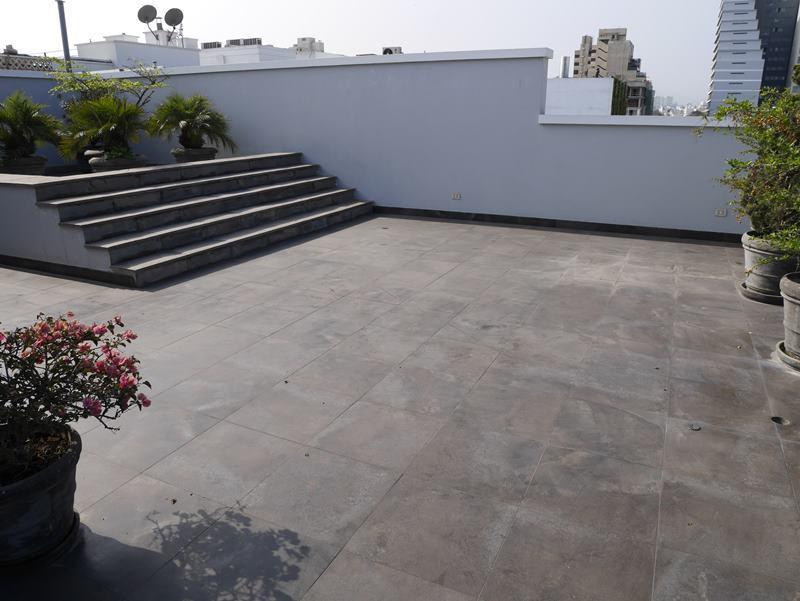 12 de 49: Gran terraza en el último piso del PH