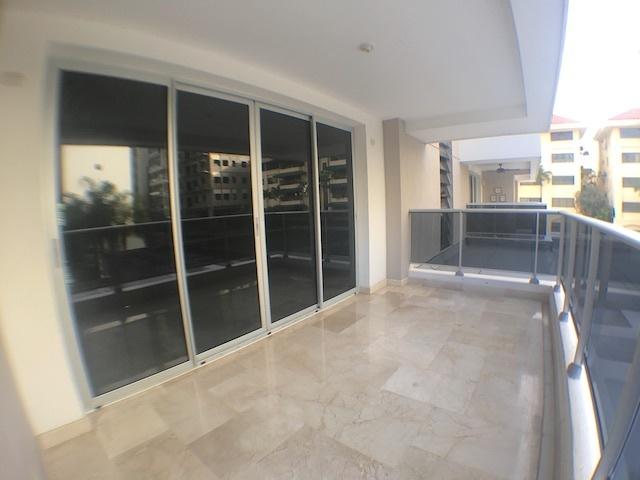 2 de 17: Balcón tipo terraza