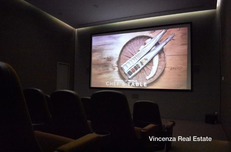 17 de 37: Sala de Cine
