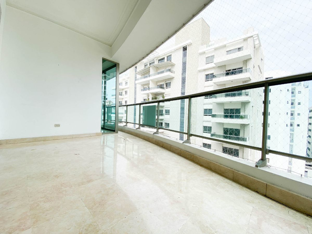 4 de 23: Balcón amplio tipo terrazas
