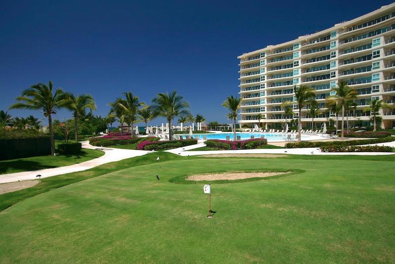 30 de 31: Delcanto practice golf tee